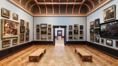 Innenansicht eines Ausstellungsraumes des Staatlichen Museums Schwerin.