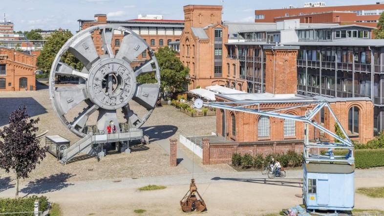 Fotografie der Außenansicht des Museums für Arbeit aus der Vogelperspektive bei Tag.